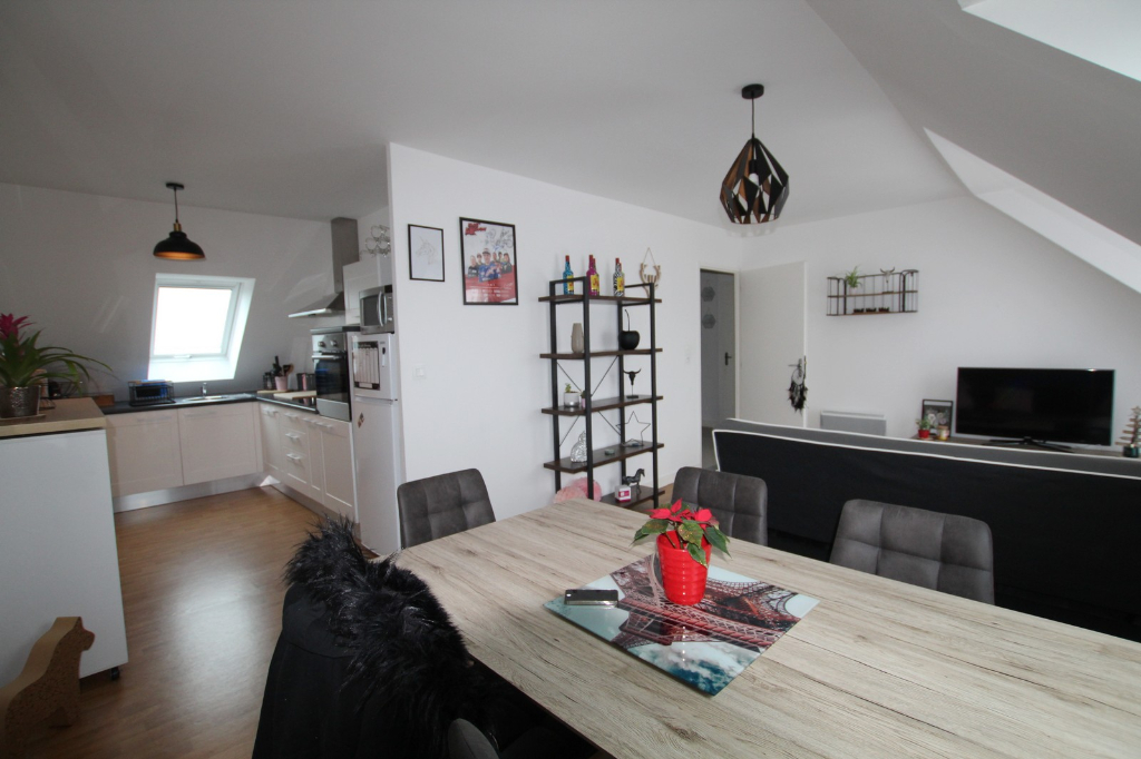 GOUESNACH bourg - Appartement  2 pièce(s) 49.80 m2 5/9